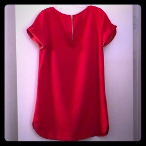 Red cuffed sleeved tunic w gold exposed zipper